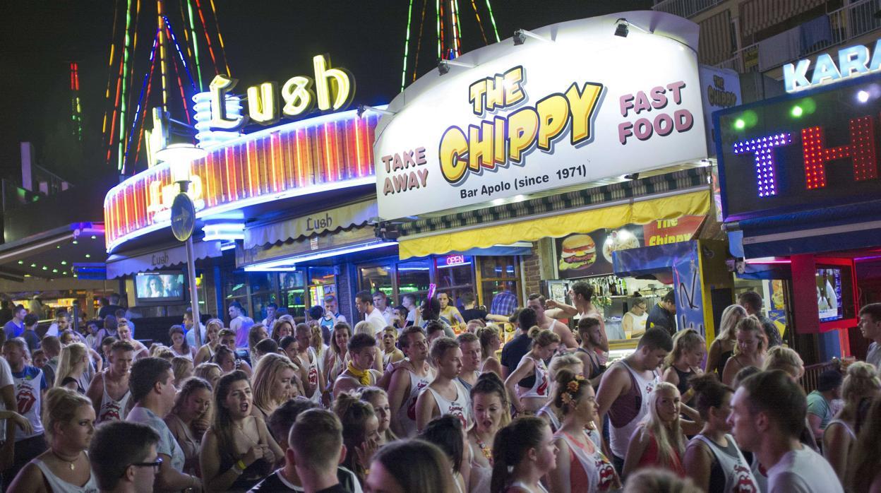 ¿a-que-hora-cierran-los-bares,-pubs-y-discotecas-en-cada-comunidad-autonoma?