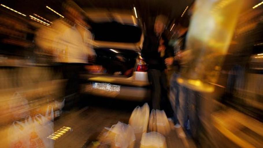 botellon-y-«coches-discoteca»:-162-multas-en-un-fin-de-semana-en-gandia-por-ruido-excesivo