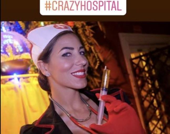 denuncian-una-fiesta-en-una-discoteca-por-«denigrar-la-imagen-de-las-enfermeras»