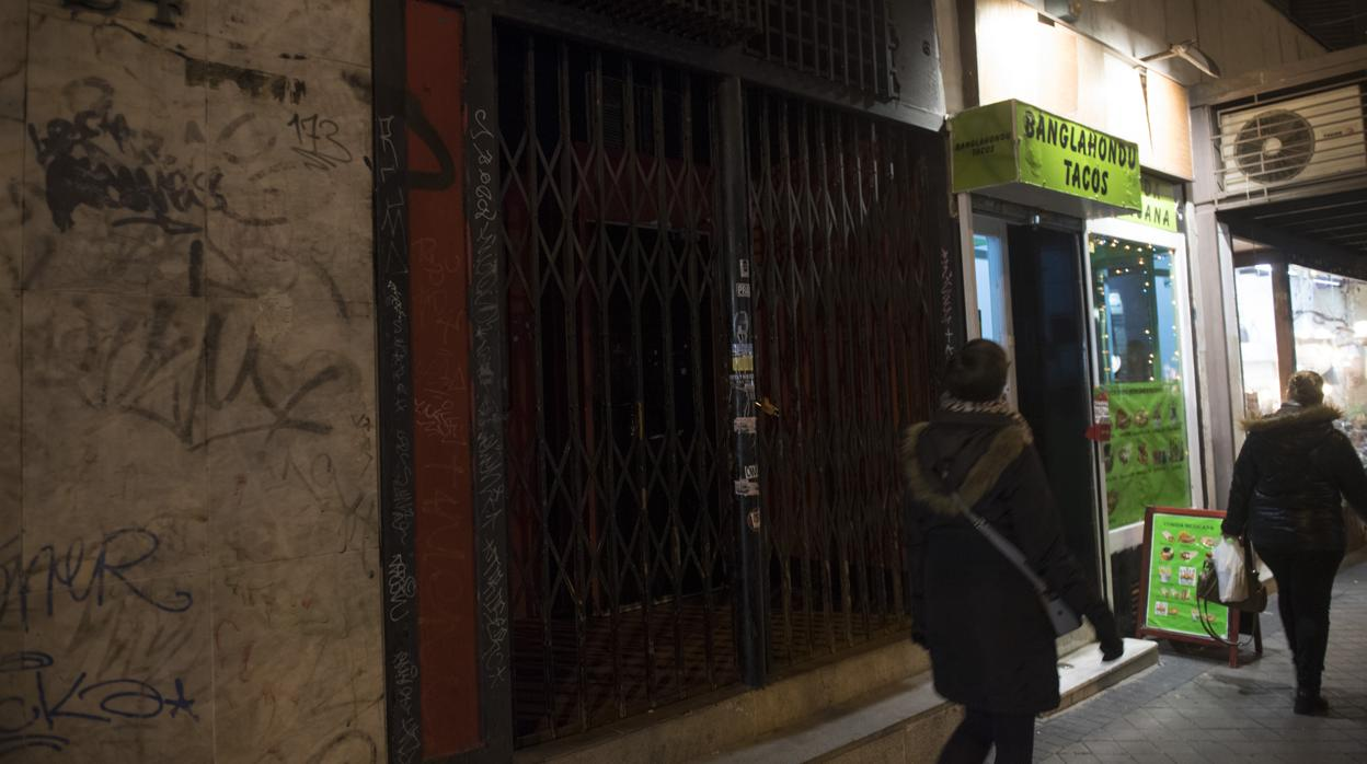 desalojada-una-discoteca-en-arguelles-por-venta-de-alcohol-a-48-menores