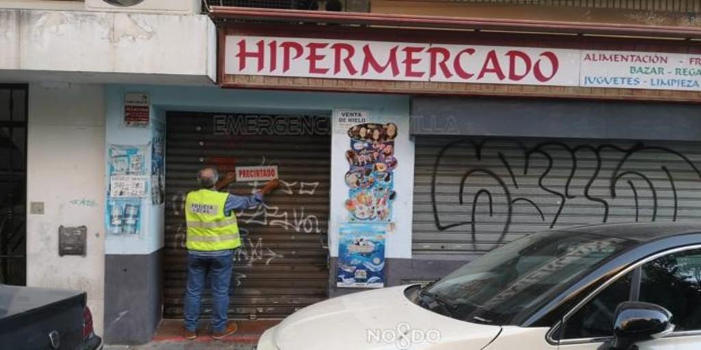 la-policia-local-cierra-tres-establecimientos-en-sevilla-por-vender-alcohol-a-menores